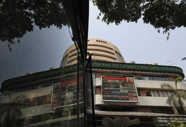 Sensex makes a shaky start as oil heads down
