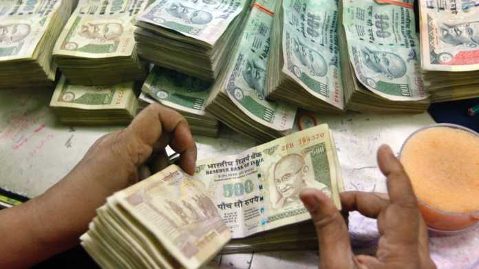 RBI modifies rules on deposits over Rs.5000 in old notes