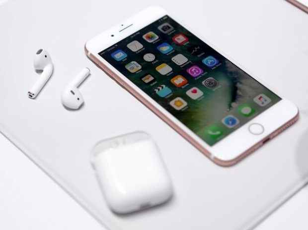 Apple slashes iPhone 6S, 6S Plus prices