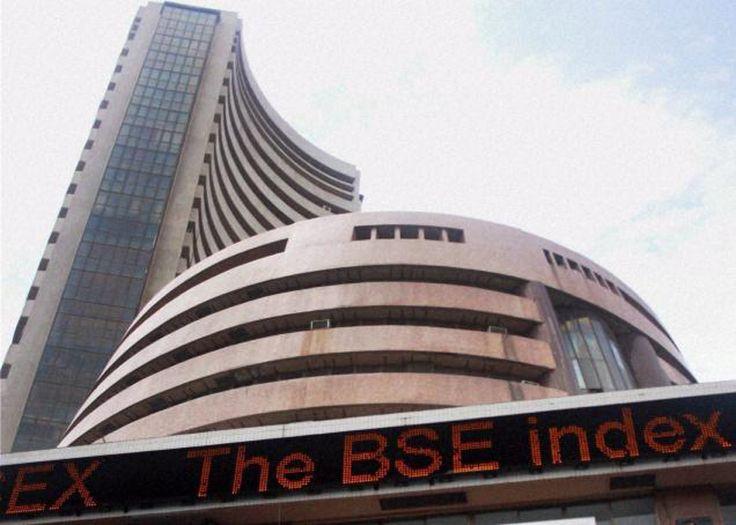 Sensex reclaims 33k, rallies 346 points as RIL