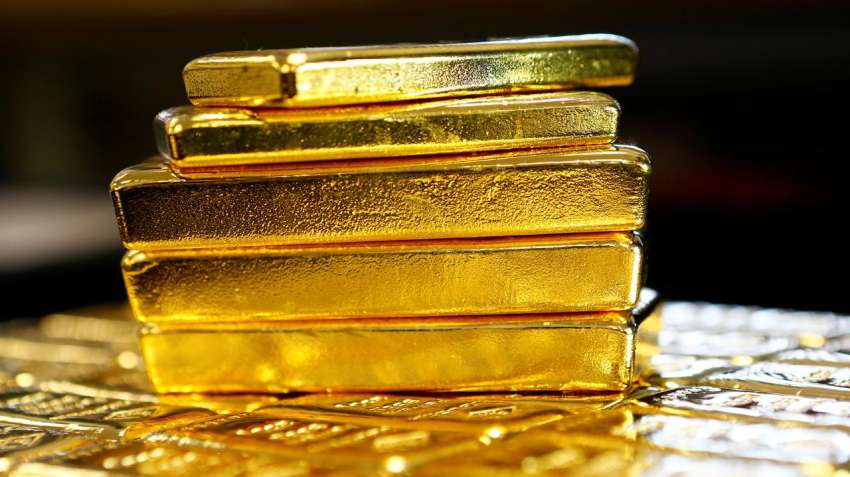 Gold rises marginally by Rs.11 to Rs.53,132 per 10 gram
