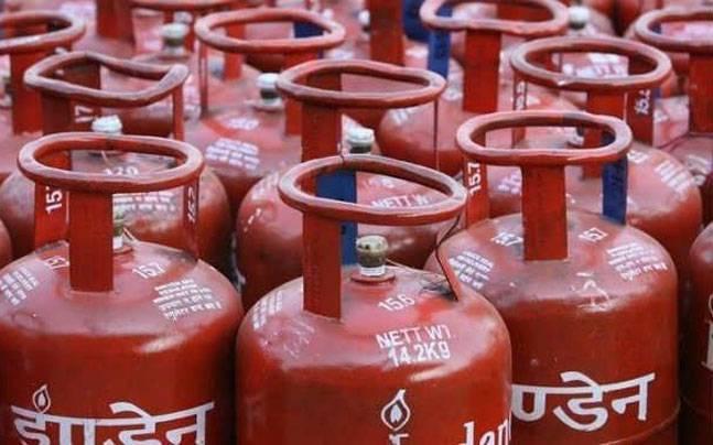 Subsidised LPG price to increase Rs.4/month