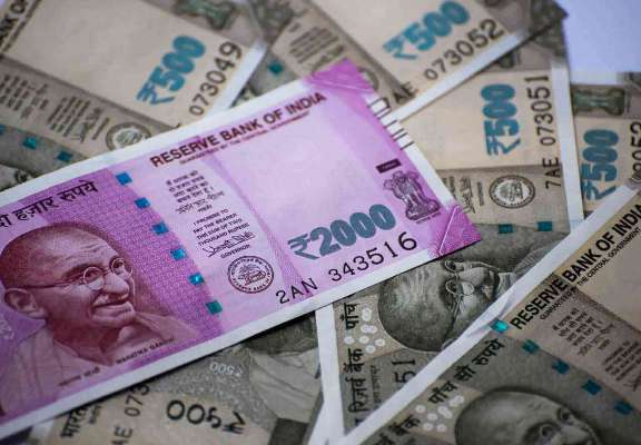 Indian rupee inches closer to 73, hits 72.91/$