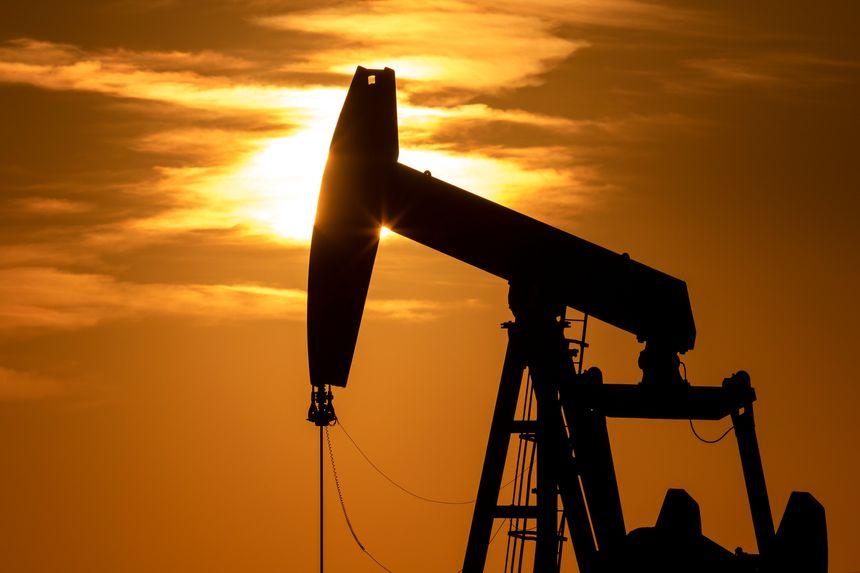 oilpricesriseoverhalfapercent