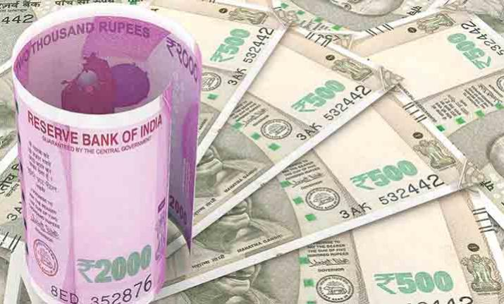 Rupee recovers 10 paise against US dollar