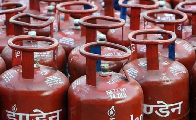 Price of non-subsidised cylinder hiked by Rs 86 per cylinder