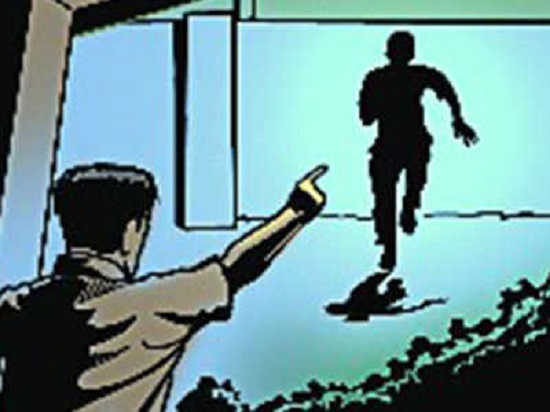 With old trick daylight robbery In Guwahati, Youth Loots Rs 5 Lakhs