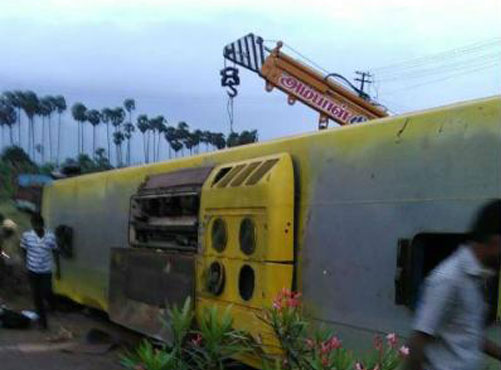 10 tourists killed in TN bus accident