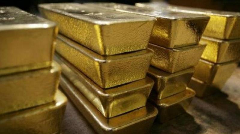 688 gm gold seized at Shamshabad airport