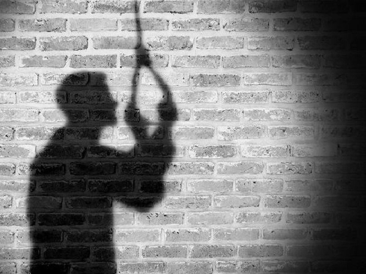 Man found hanging in Hyderabad