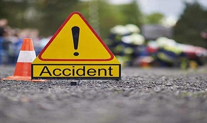 Six persons dead as lorry crashes into van at Kurnool