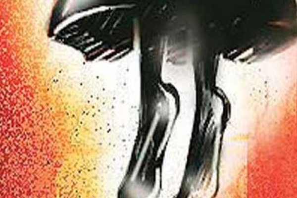 Newly wed 19- yr- old woman allegedly commits suicide in Hyderabad