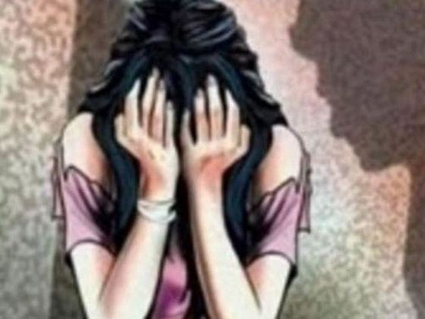 Teen gang-raped at gunpoint