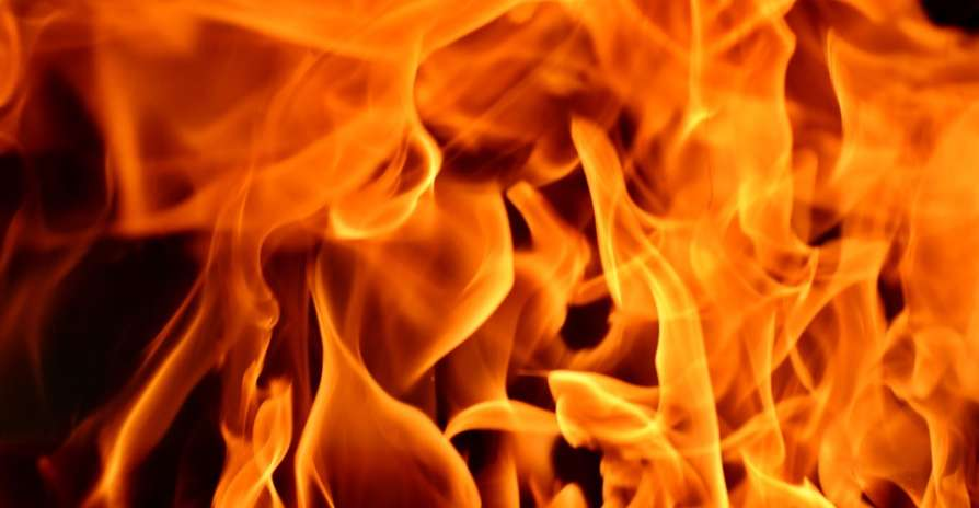 Jilted lover sets ablaze girl in Kerala