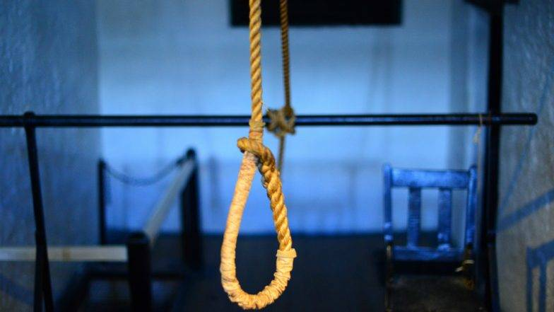 Dental student hangs self at home in Hyderabad, blames college in suicide note