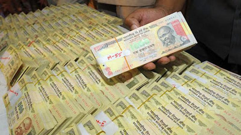 Rs.90 lakh in Demonetised currency seized