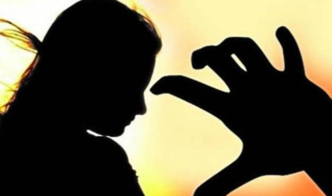Woman molested on Konark Express