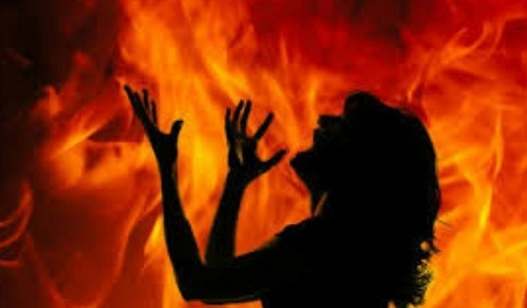 Nurse Dies After Lover Sets Her on Fire for Rejecting His Proposal in Andhra Pradesh