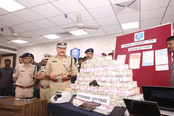 Hawala racket busted in Hyderabad