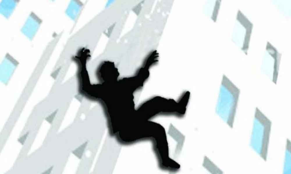 Man jumps to death from 18th floor of building in Hyderabad