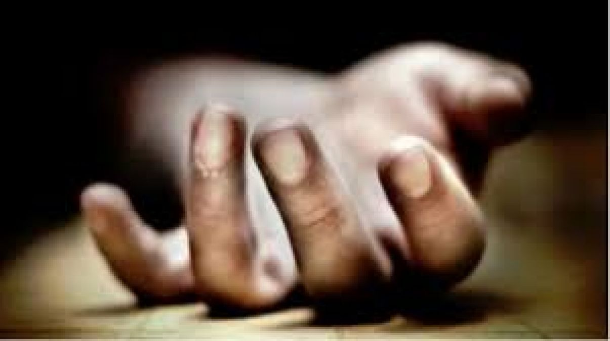 Teen girl strangled to death in Pune