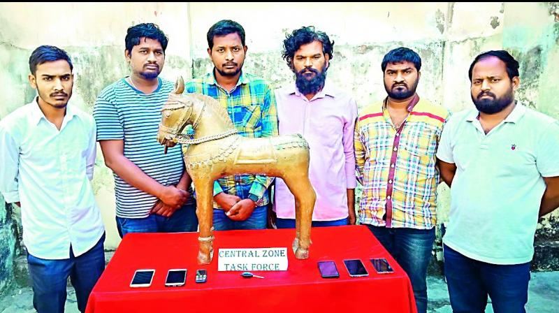 Police recovers antique panchaloha horse in Hyderabad, six arrested