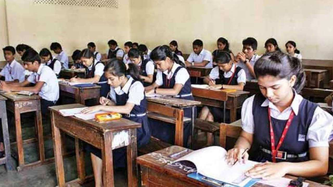 Delhi Govt ruled out offline exams up to Class 8, students to be graded on assignments