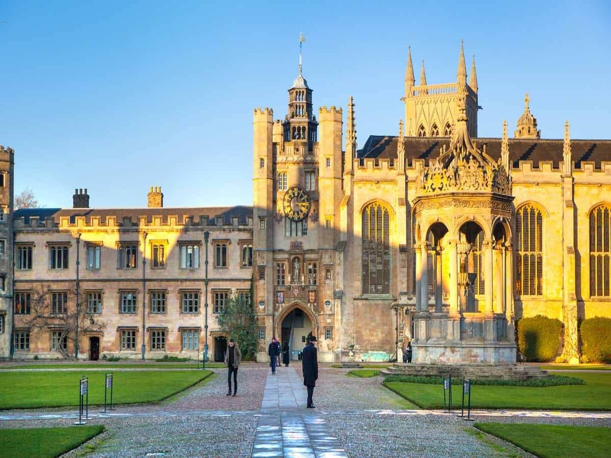 Cambridge University launches free one year course for disadvantaged students