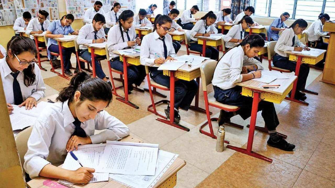 Delhi private schools to hold offline exams for Classes 9, 11 but parents resist with the decision