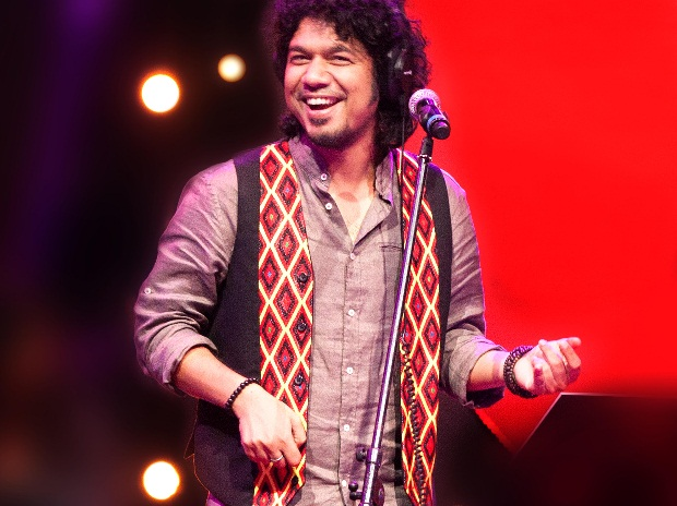 Singer Papon gets notice from NCPCR for kissing minor contestant