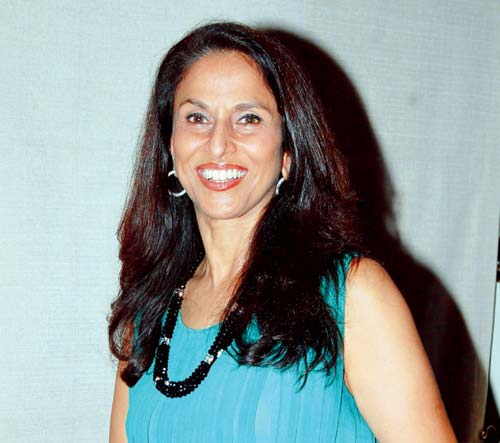 Shobhaa De mocks Indian Army with a cartoon; Twitterati trolls her back