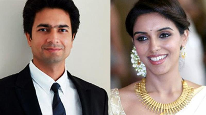Asin becomes mother of a baby girl