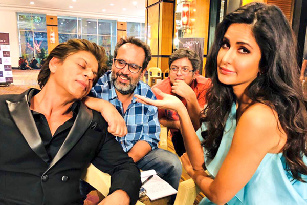 Shah Rukh Khan caught sleeping on the sets of  movie