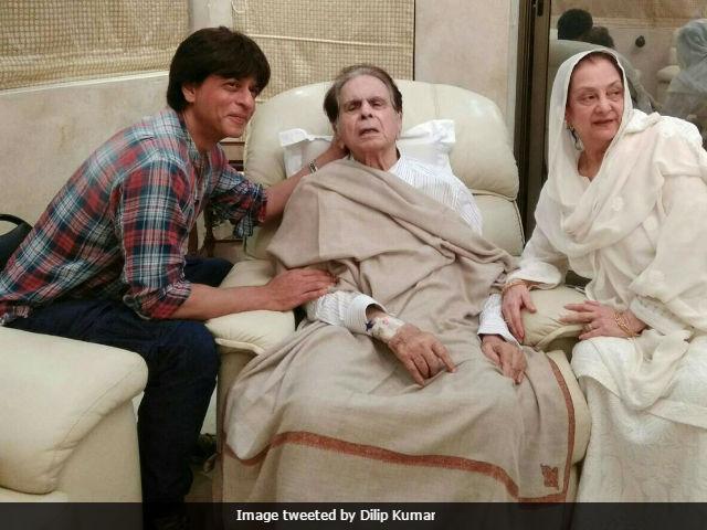 Shah Rukh Khan visits Dilip Kumar