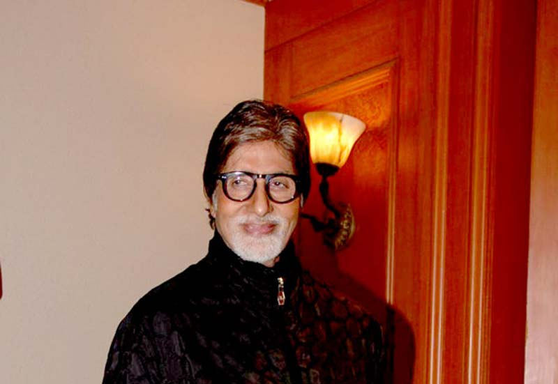 Big B cheers Mumbai Indians