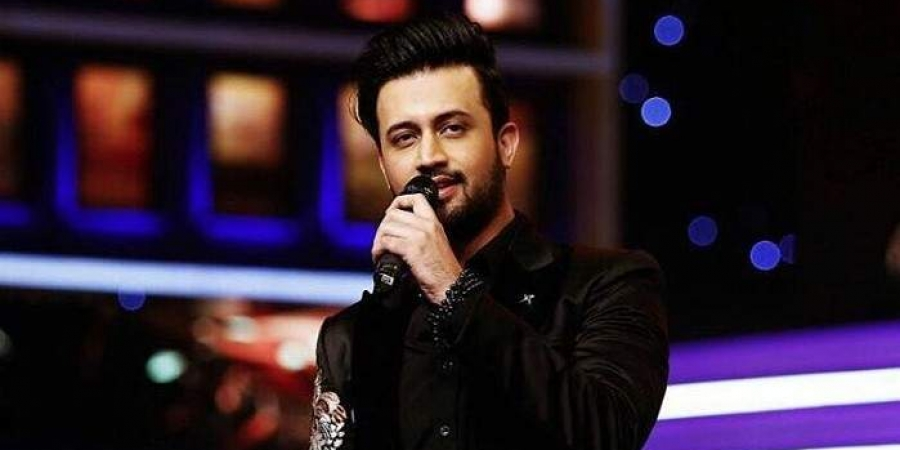 Pak singer Atif Aslam faces backlash for singing Indian song in US