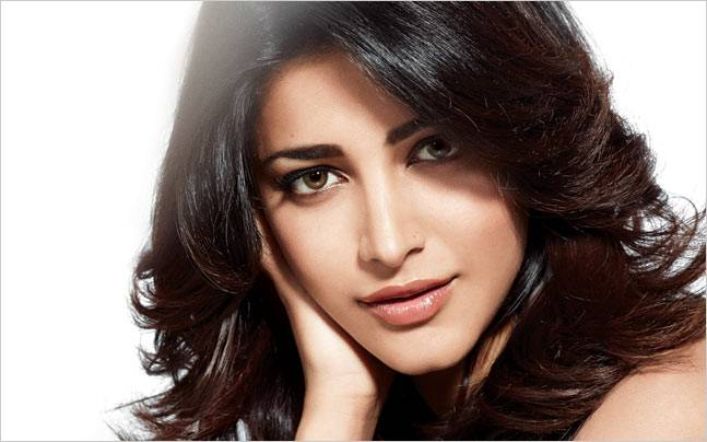 Shruti Haasan croons for