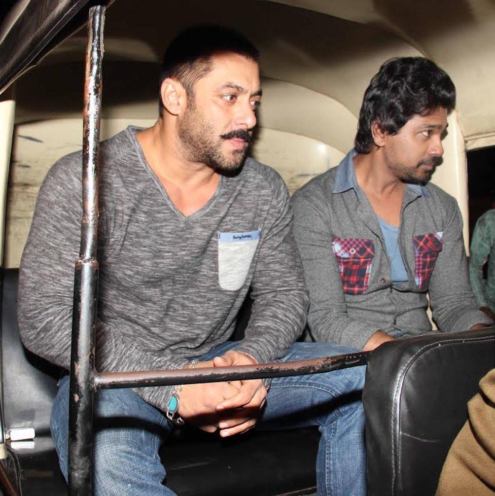 Salman Khan jilts his SUV for an auto rickshaw ride