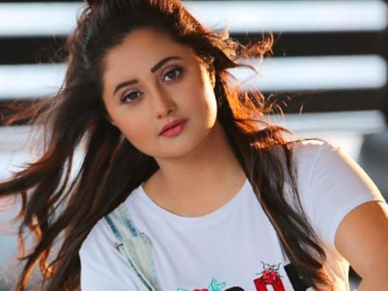 BB13 contestant Rashami Desai starts live chat show called