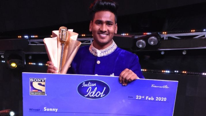 Sunny Hindustani wins the trophy of Indian Idol 11 - Grand Finale