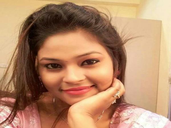 Bengali TV actress Moumita Saha commits suicide by hanging self