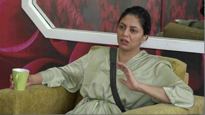 bigg-boss-14-kavita-kaushik-walks-out-of-house-post-ugly-fight-with-rubina-dilaik