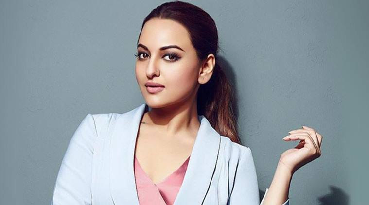 Allahabad HC stays Sonakshi's arrest in cheating case