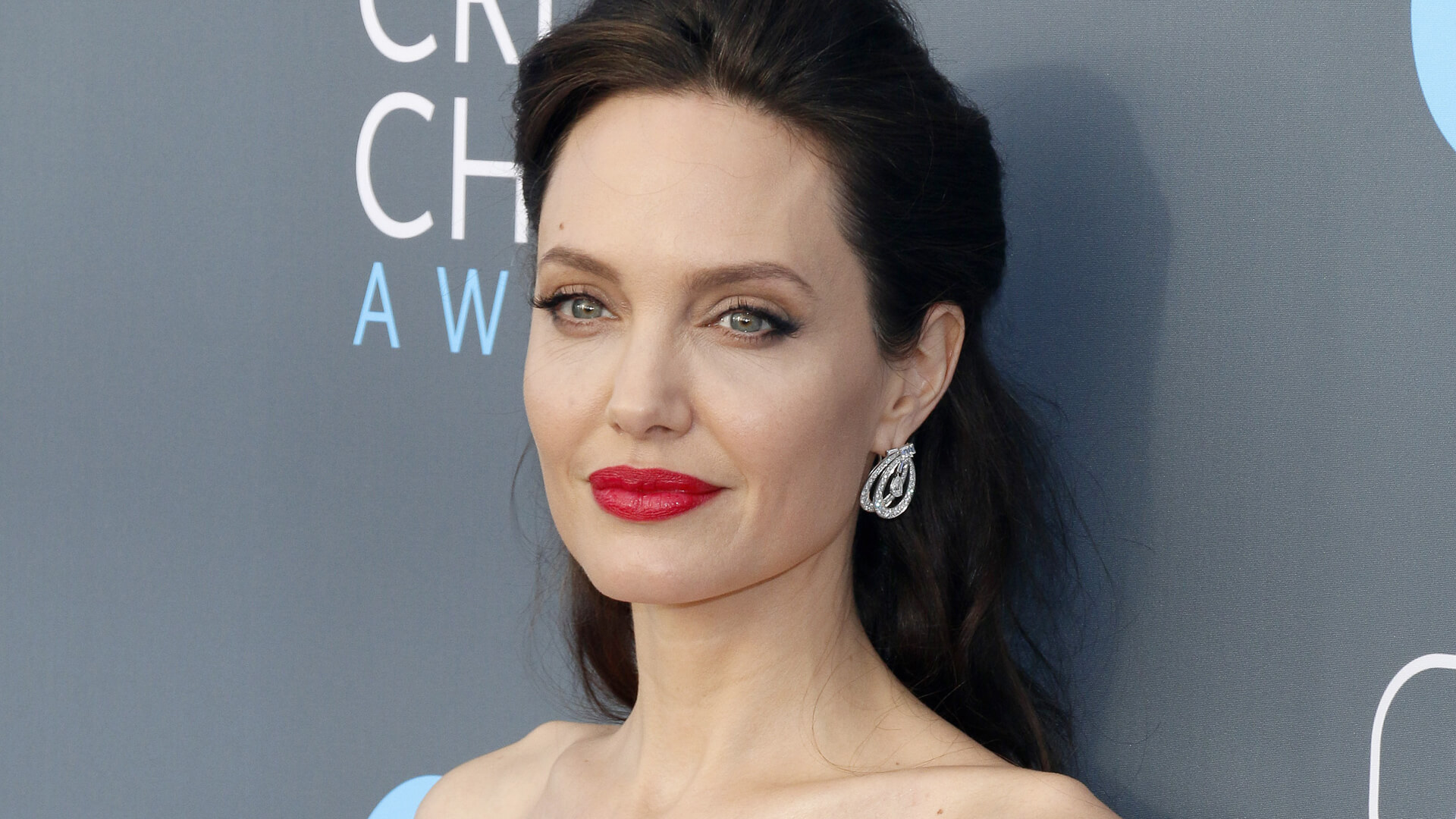 Angelina Jolie to star in thriller