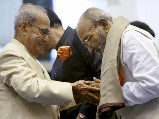 Indian cinema conveys underlying spirit of brotherhood: Pranab Mukherjee