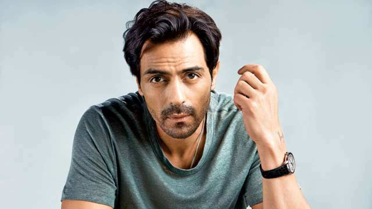Arjun Rampal contracts to novel coronavirus