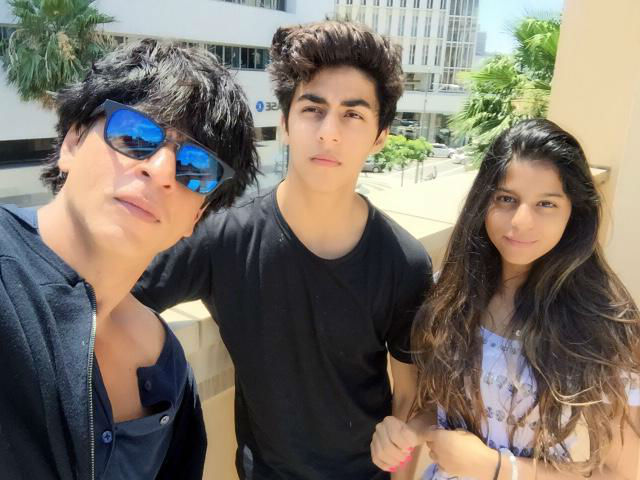 Aryan, Suhana growing up to be cool:  Shah Rukh Khan