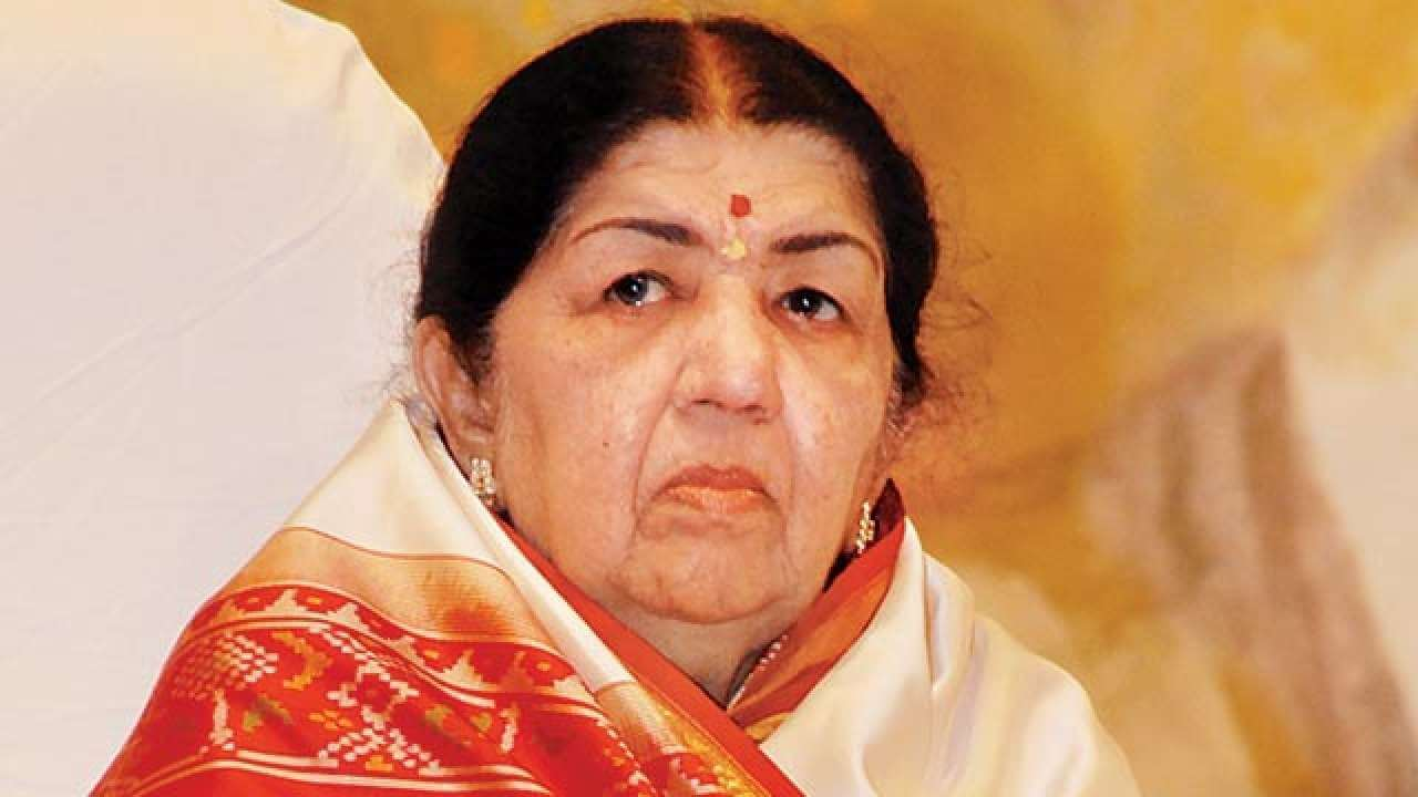 Veteran singer Lata Mangeshkar contributes Rs 7 lakh for Covid-19 Relief Work