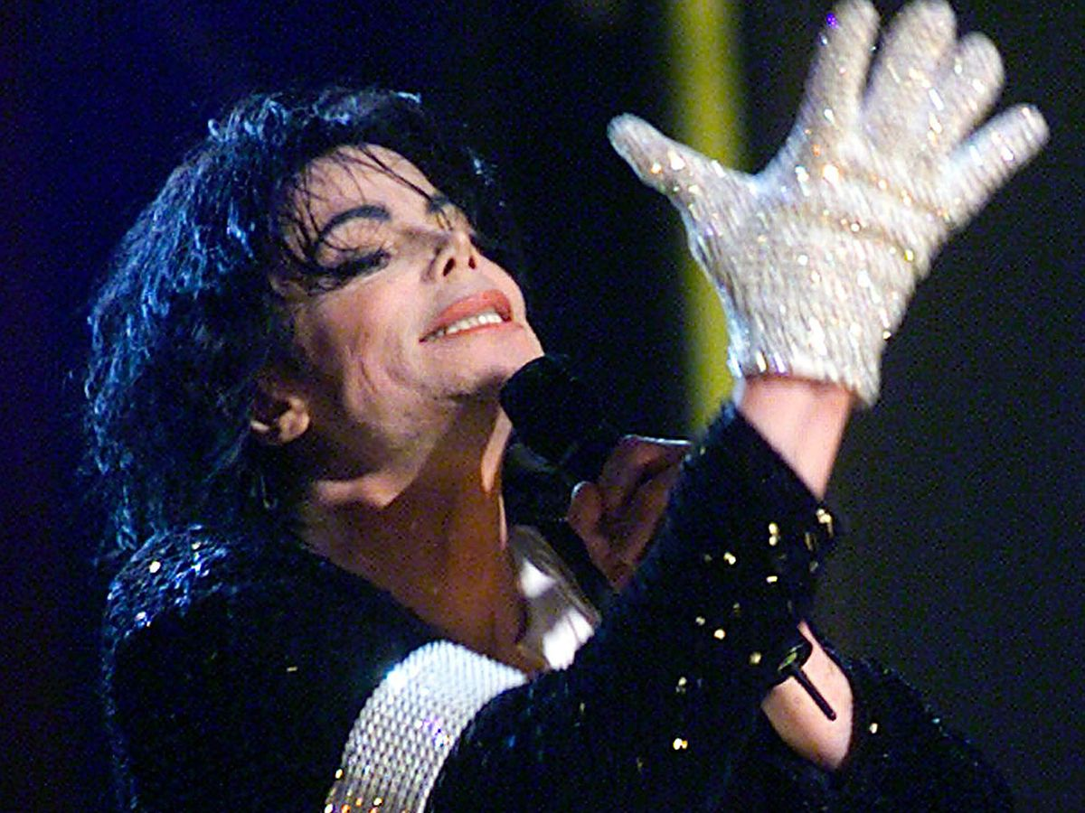 Popular white glove of pop sensation Michael Jackson sells for over 85,000 pounds at auction