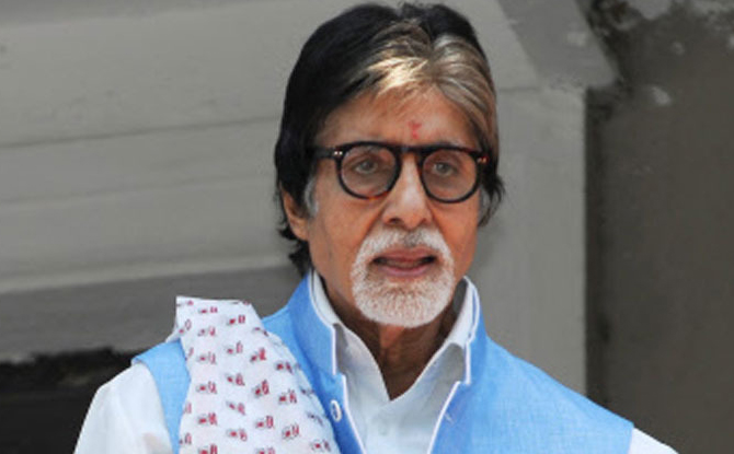 Team of Doctors was flown from Mumbai to Jodhpur for Amitabh Bachchan treatment